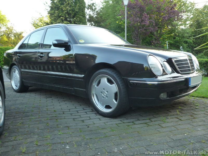 p1010910 amg felgen 18 zoll mercedes e klasse w210. Black Bedroom Furniture Sets. Home Design Ideas