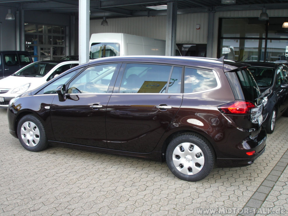 dsc03977 opel zafira tourer innovation 1 4 turbo test testberichte 204375401. Black Bedroom Furniture Sets. Home Design Ideas