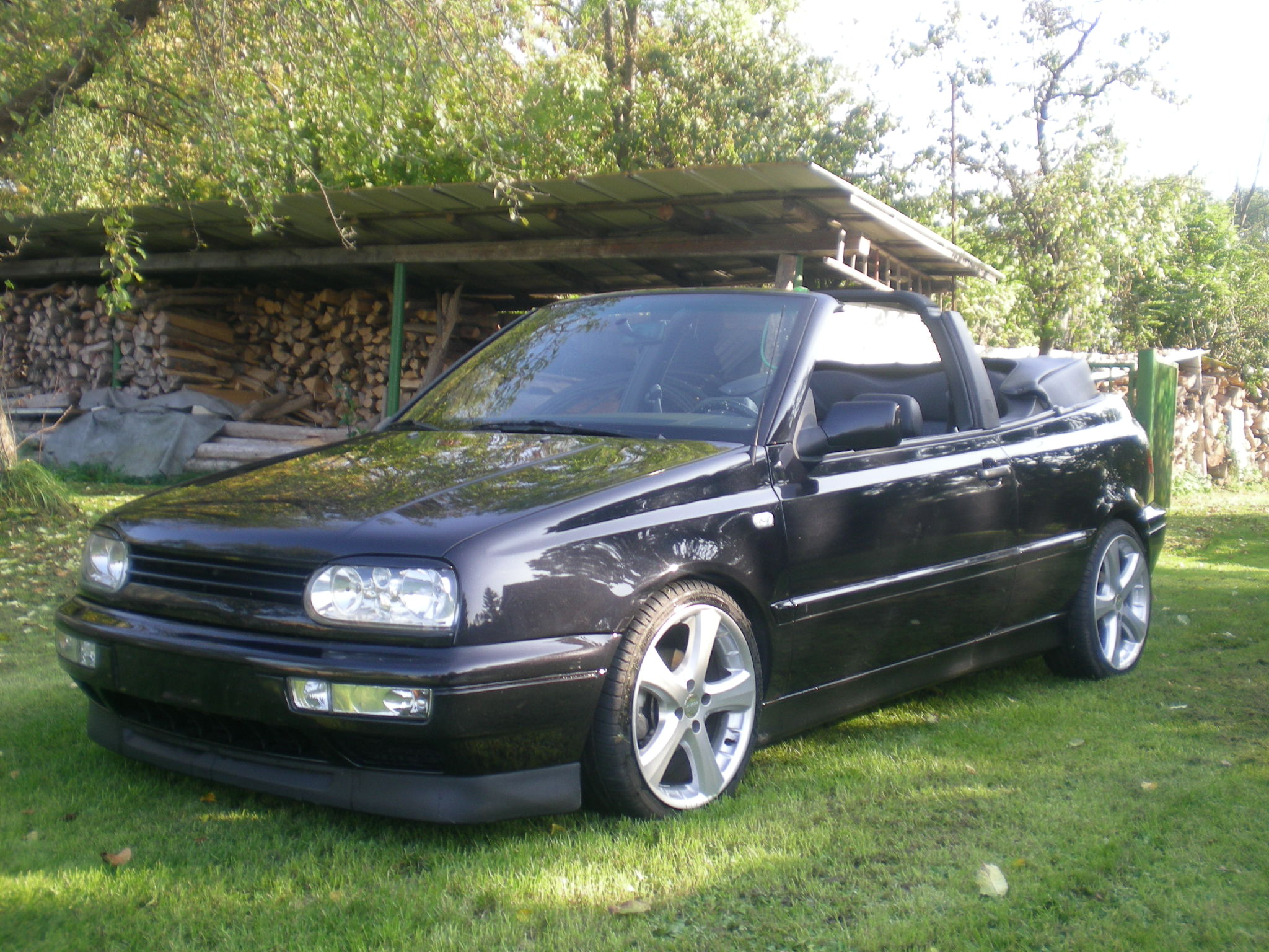 vw golf 3 2 0 cabrio mit vollausstattung. Black Bedroom Furniture Sets. Home Design Ideas