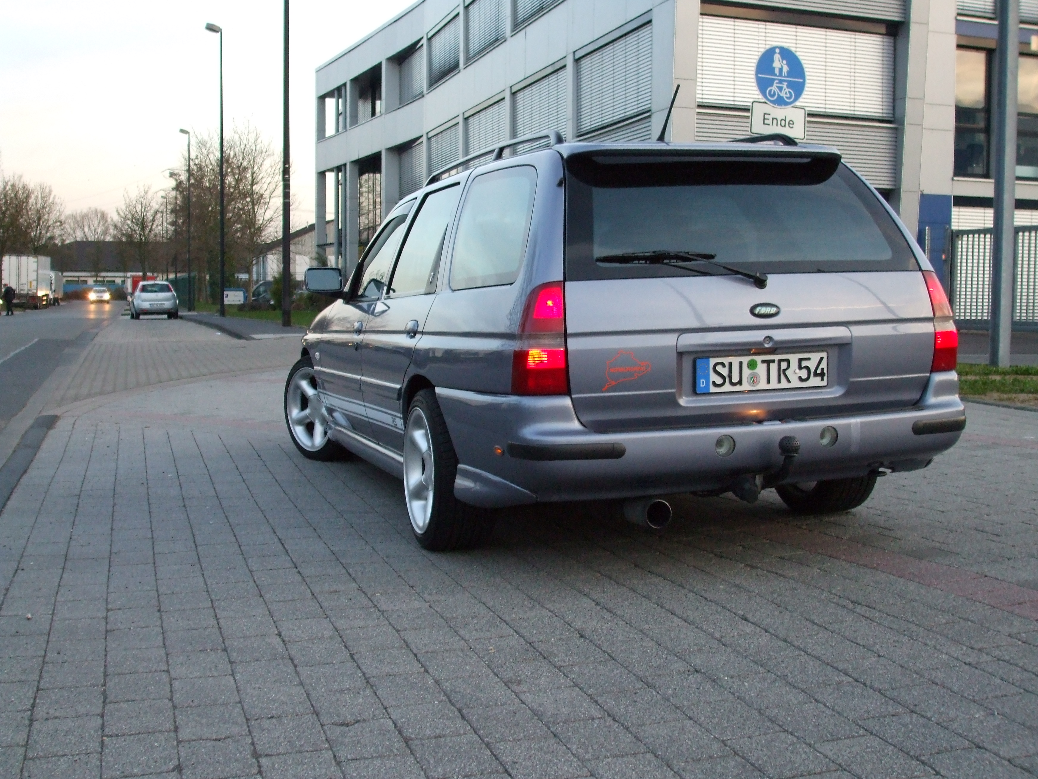 ford-escort-003