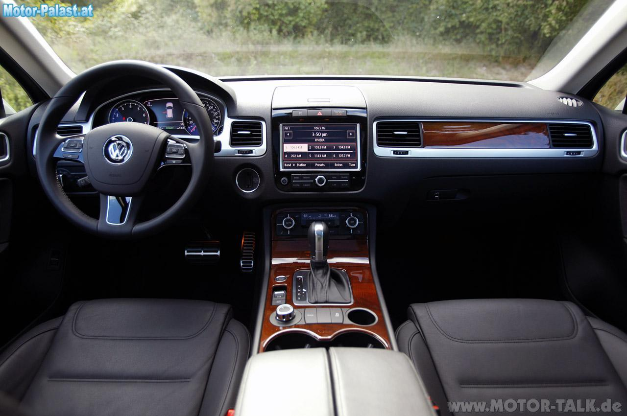 aaron volkswagen touareg hybrid innenraum cockpit. Black Bedroom Furniture Sets. Home Design Ideas