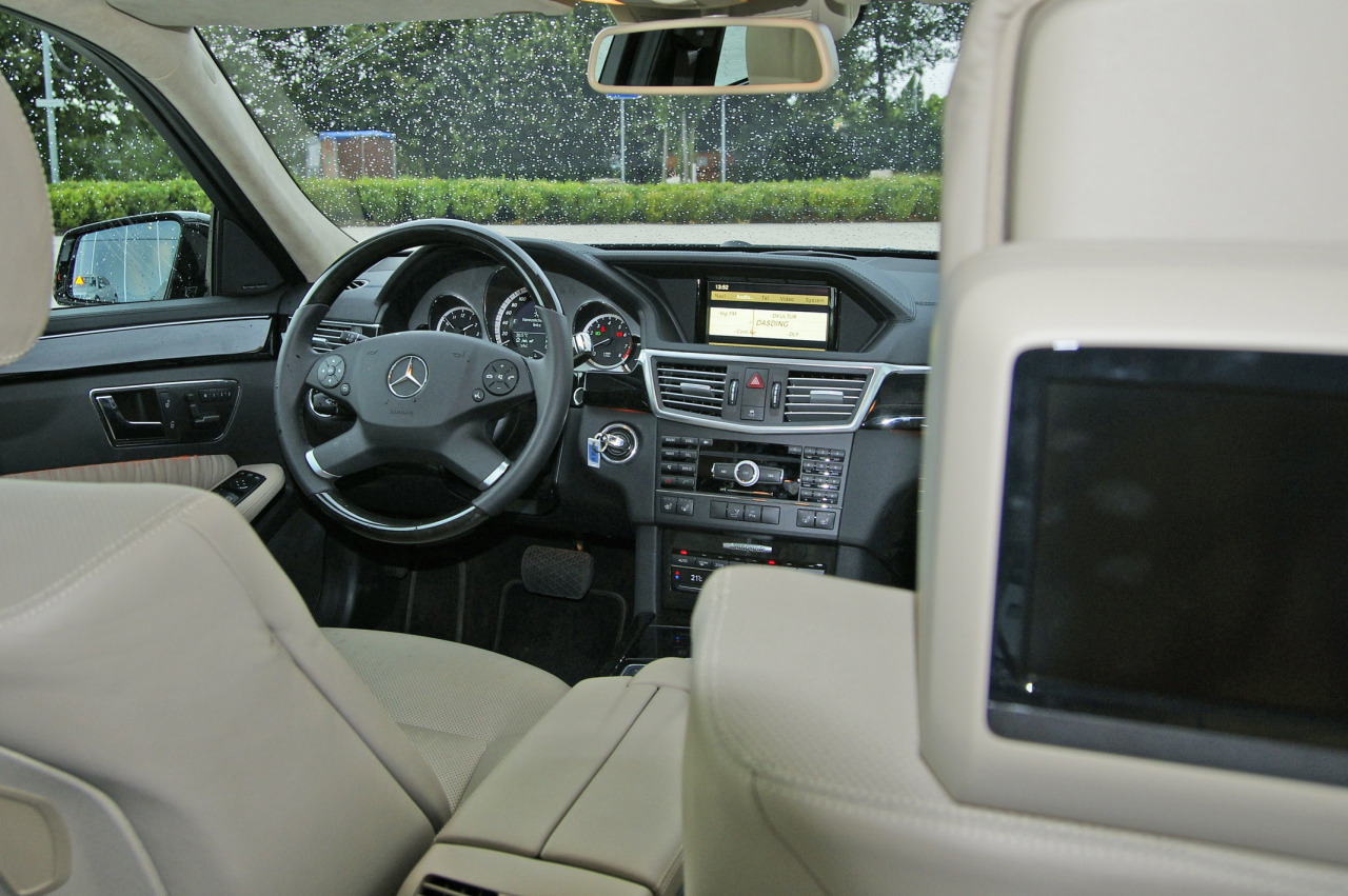 Mercedes benz e klasse interieur mercedes benz e klasse for Interieur e klasse 2017