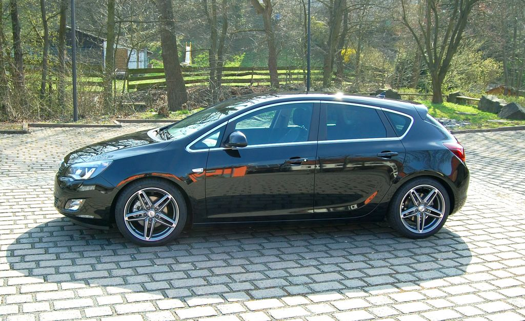 Opel Astra J 1 6t 200311