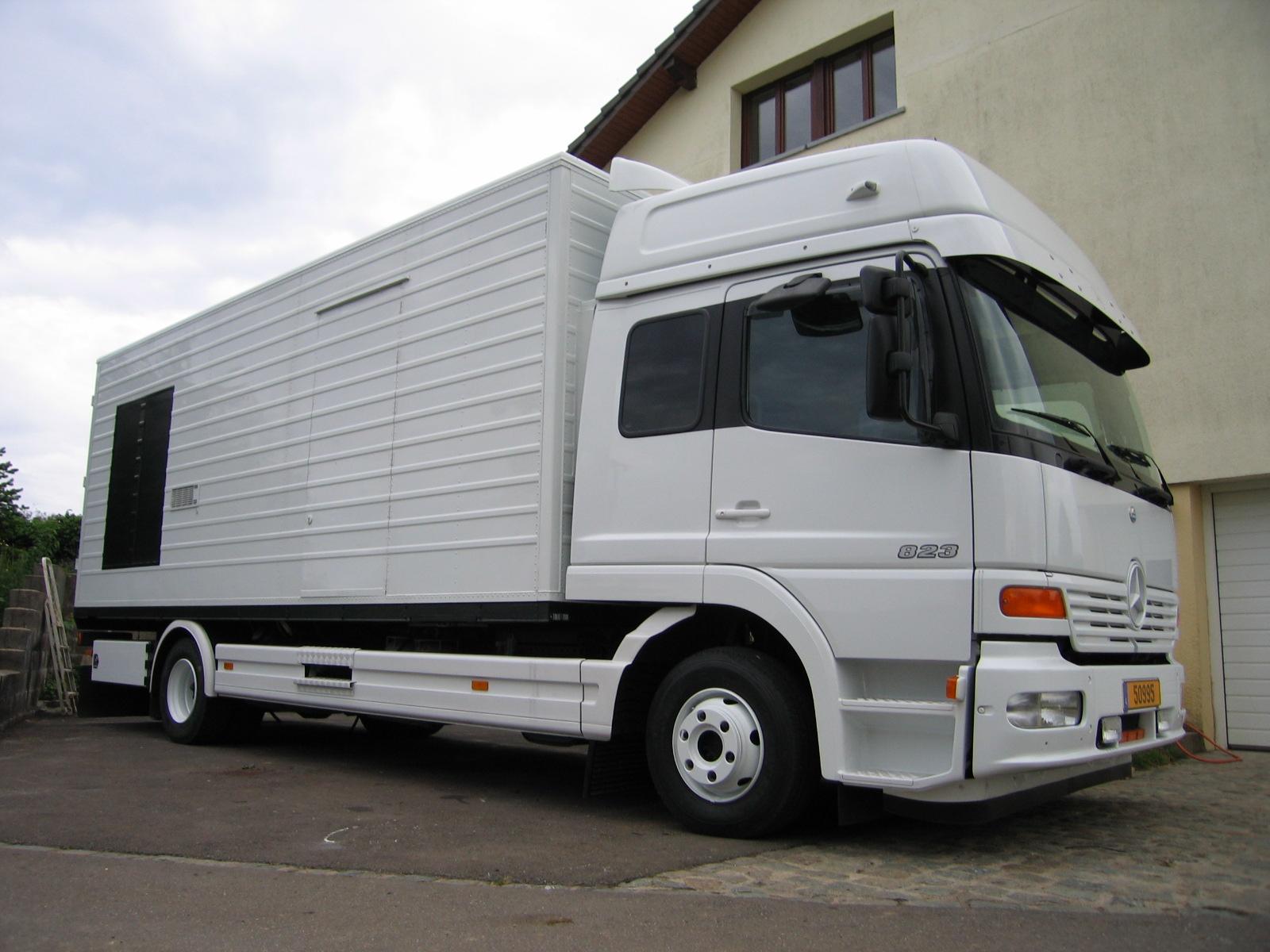 mercedes nutzfahrzeuge 823 52860. Black Bedroom Furniture Sets. Home Design Ideas