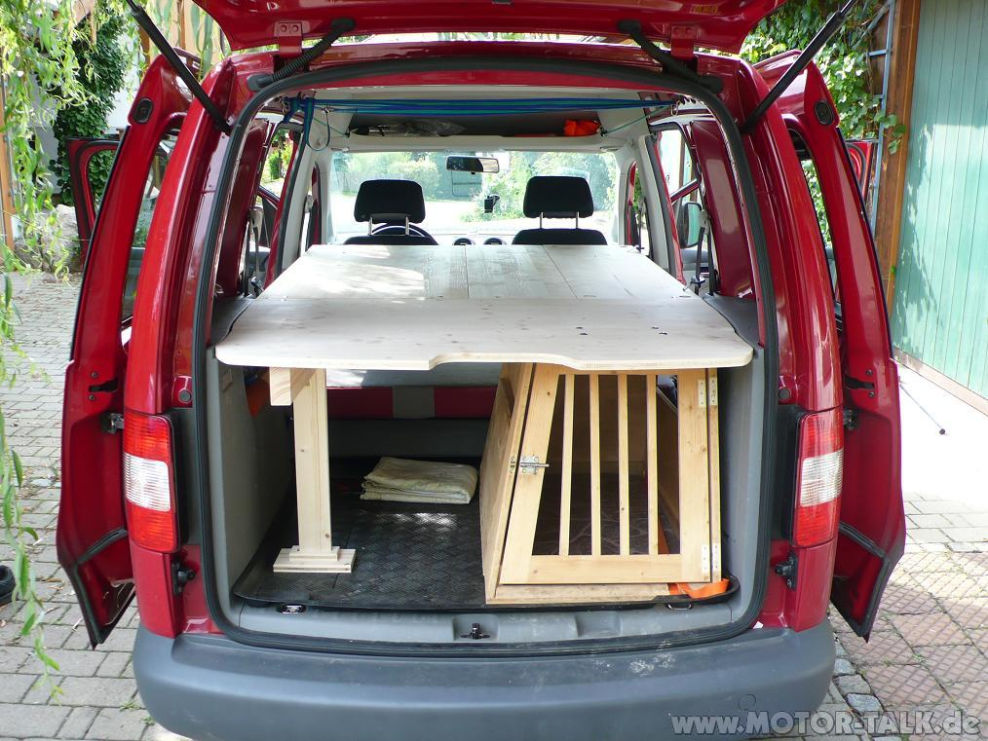 doppel camping liegefl che bett mit integrierter hundebox vw caddy 205312777. Black Bedroom Furniture Sets. Home Design Ideas