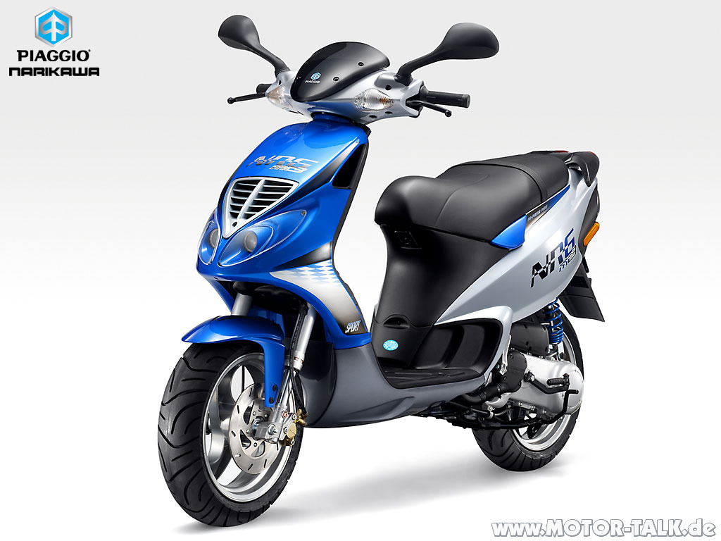 Piaggio Fly Motor Scooter