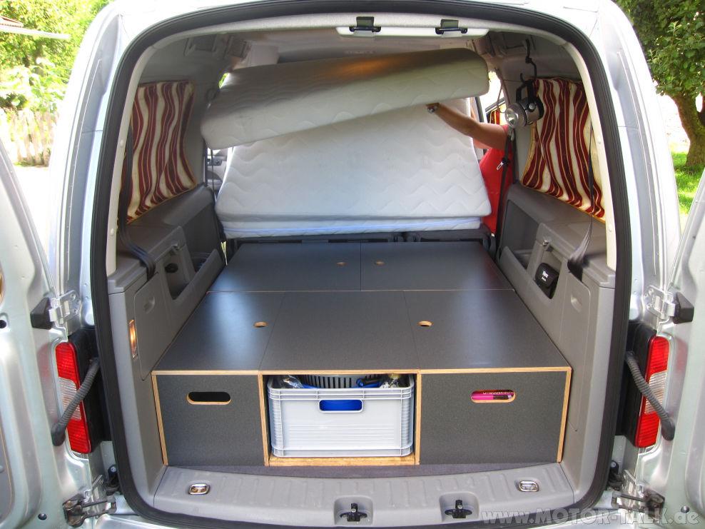 2 schritt beim aufklappen maxi camping vw caddy. Black Bedroom Furniture Sets. Home Design Ideas