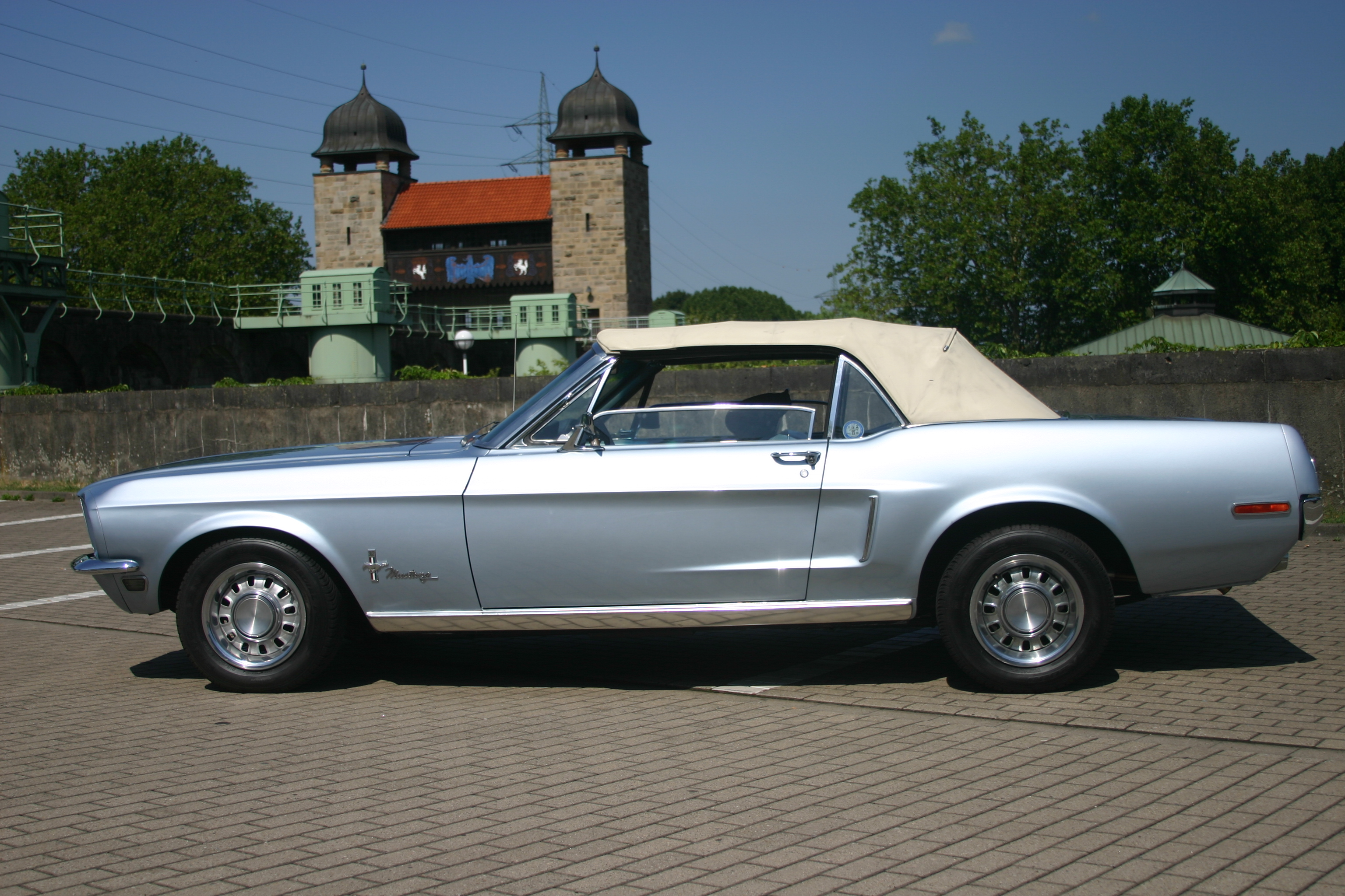 ford mustang cabrio 1968 biete. Black Bedroom Furniture Sets. Home Design Ideas