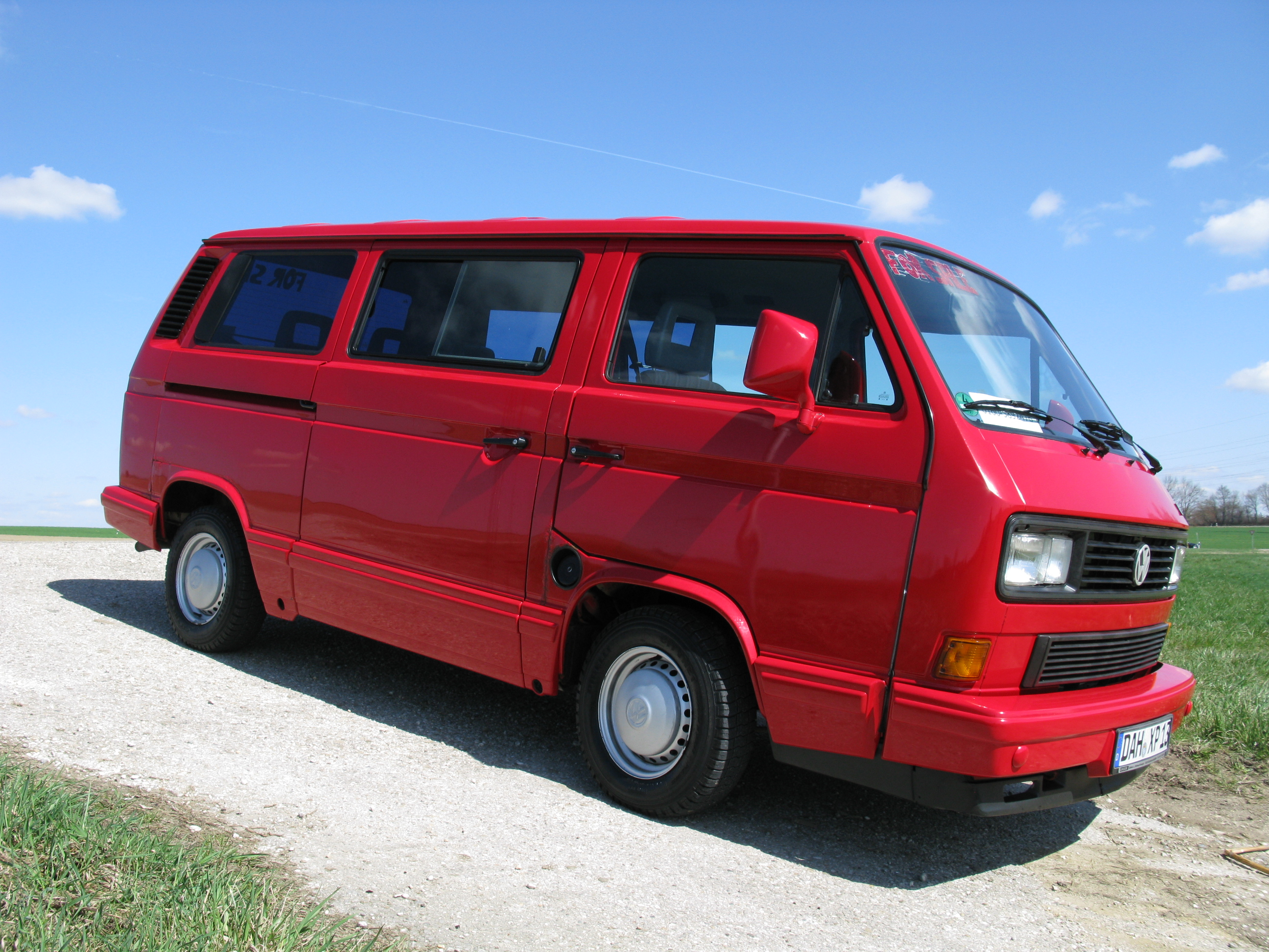 volkswagen t3 bus last limited edition rot wbx wenig kilometer biete. Black Bedroom Furniture Sets. Home Design Ideas