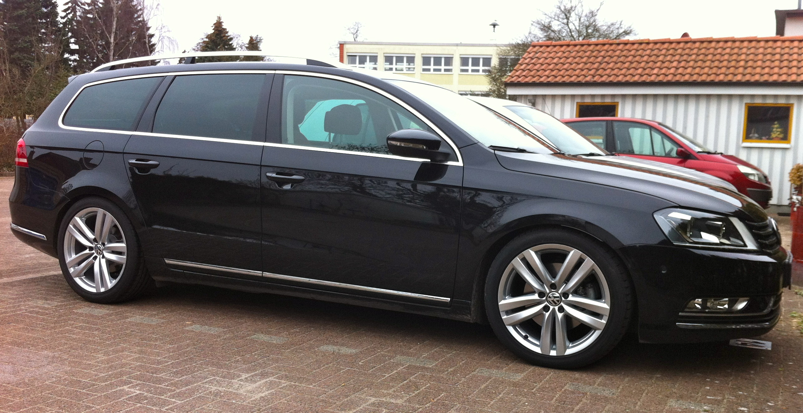 passat b7 variant tuning low volkswagen passat b7 variant. Black Bedroom Furniture Sets. Home Design Ideas