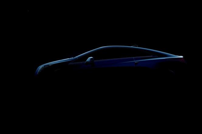 Viel zeigt GM noch nicht vom Luxus-Hybrid. Andere Spiegel als an der Converj-Studie sind bereits zu erkennen.