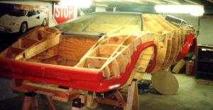 Am Anfang modellierte Ken Imhoff akribisch aus Holz.
