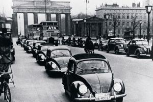 1939 wurde der Käfer als KdF-Wagen in Berlin präsentiert.