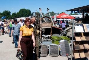 Teile kaufen auf die altmodische Art: Dafür eignet sich der Internationale Bockhorner Oltimermarkt