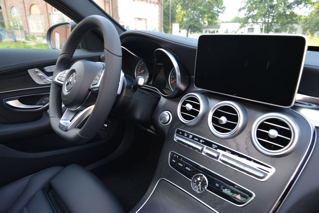 C450 amg interieur c43 c450 mercedes c klasse w205 for Interieur mercedes c klasse