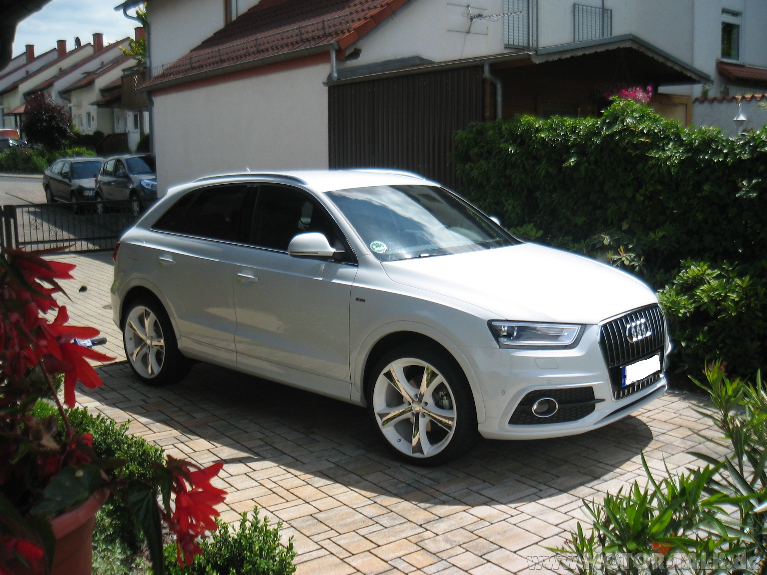 audi q3 2 0 tdi 103kw 6 gang s line sport biete. Black Bedroom Furniture Sets. Home Design Ideas