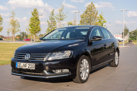 volkswagen passat b7 2 0 tdi bmt dsg highline standheizung. Black Bedroom Furniture Sets. Home Design Ideas