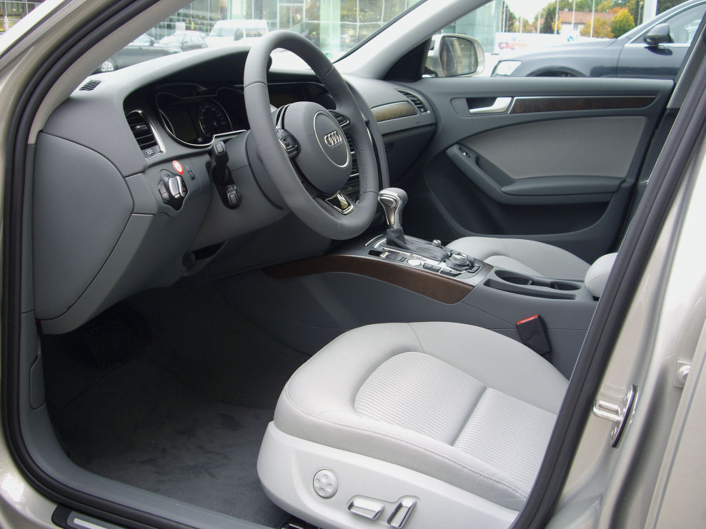 a4 b8 interieur stahlgrau audi a4 avant 1 8 tfsi multitronic modell 2013 b8 8k test. Black Bedroom Furniture Sets. Home Design Ideas