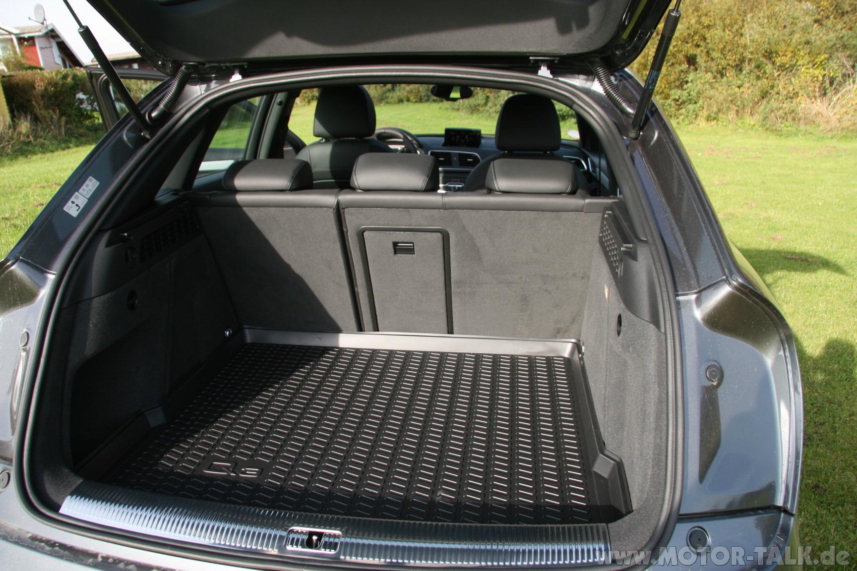 q3 kofferraum mit durchladeeinrichtung audi q3 8u 2 0. Black Bedroom Furniture Sets. Home Design Ideas