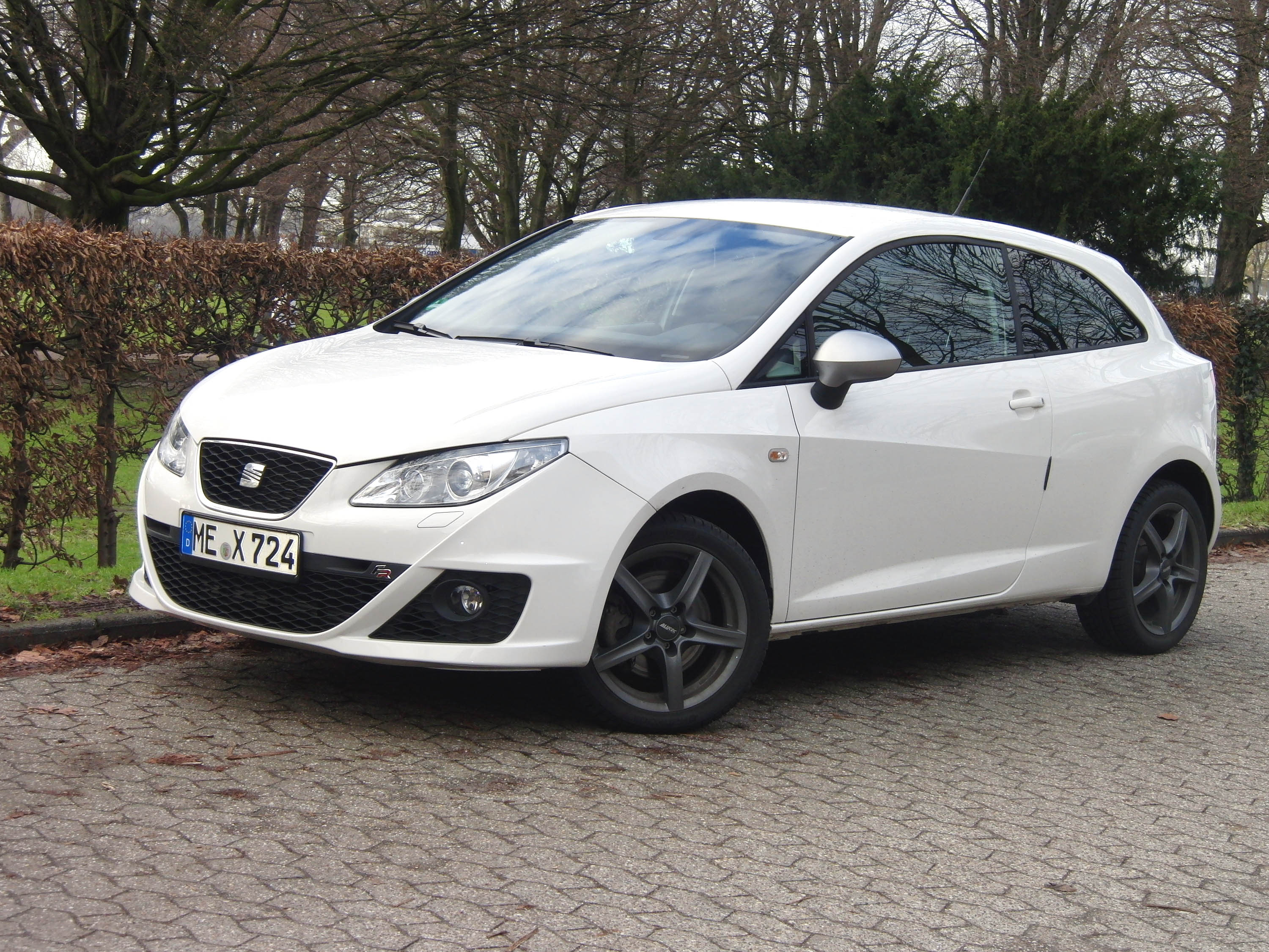 seat ibiza 4 6j 2 0 tdi 149588. Black Bedroom Furniture Sets. Home Design Ideas