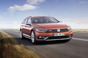 VW hebt den Passat an: Als Alltrack bekommt der Kombi knapp drei Zentimeter mehr Bodenfreiheit