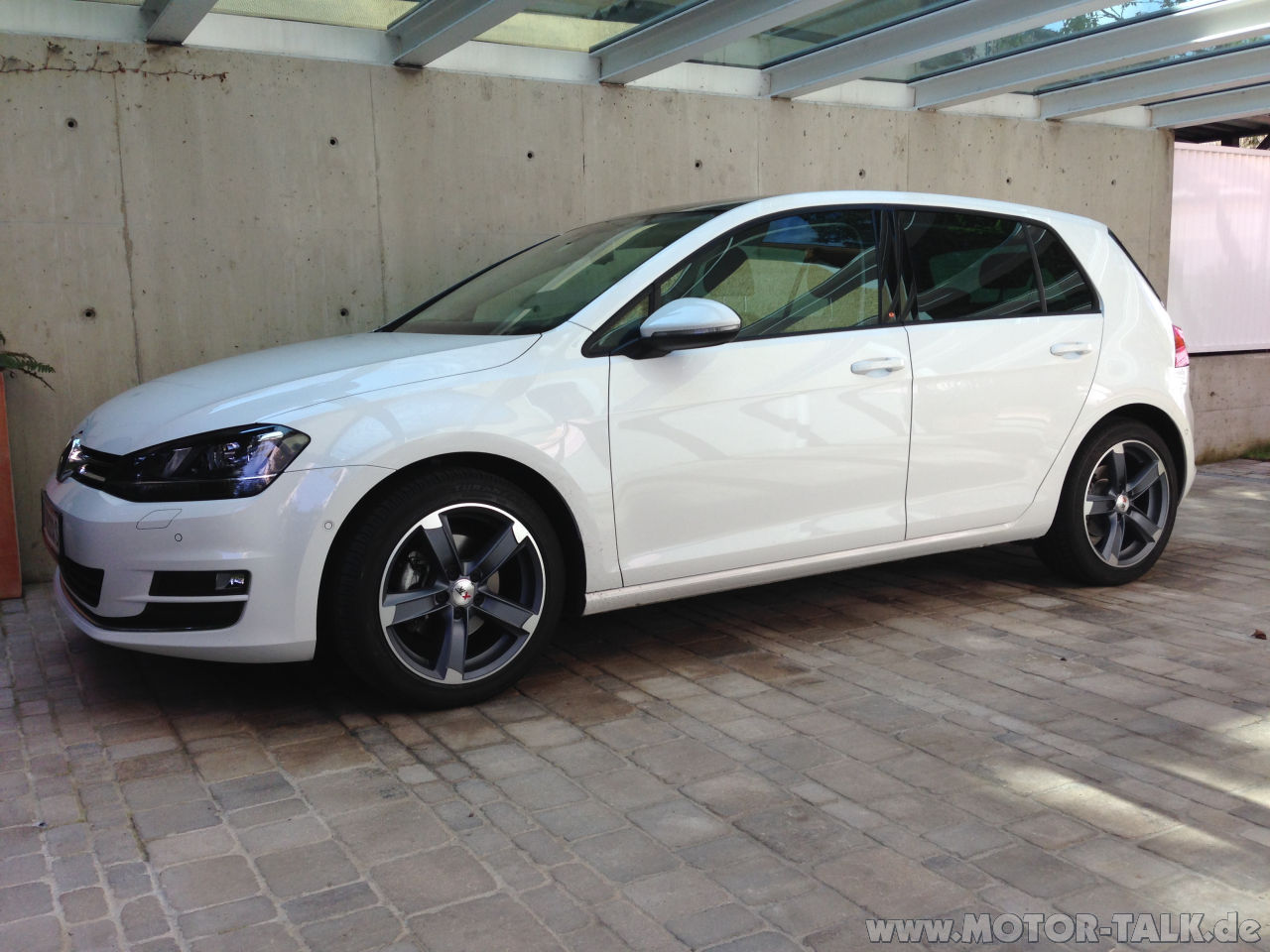golf 7 pure white vw golf 7 au 1 4 tsi von geowien. Black Bedroom Furniture Sets. Home Design Ideas