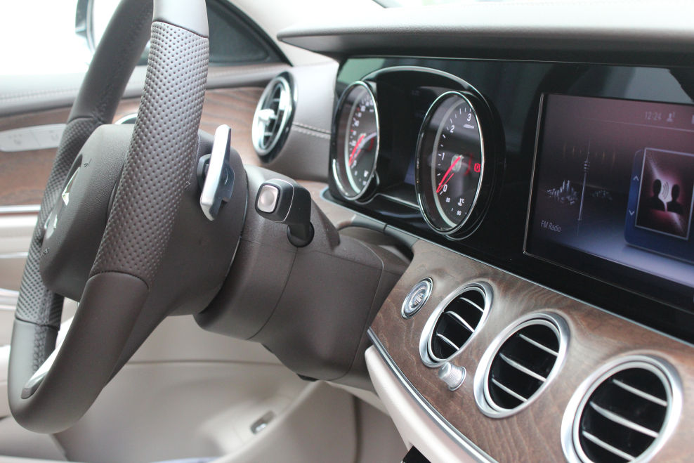 Mercedes e klasse w213 exclusive interieur zierelemente for Interieur e klasse