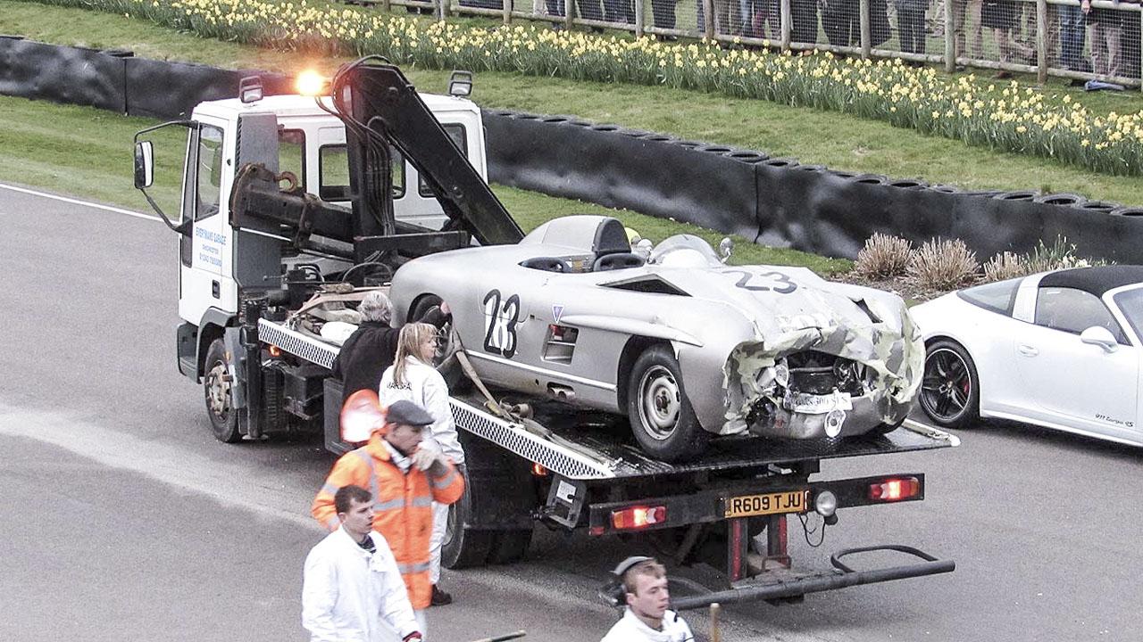 Mercedes 300 SLS und Lister-Jaguar: Unfall in Goodwood