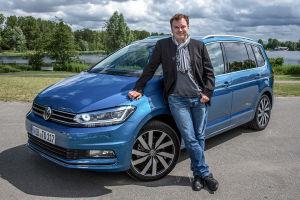 MOTOR-TALK-Redakteur Björn Tolksdorf gefällt am VW Touran der klare, norddeutsche Pragmatismus. Ein solches Auto kauft man wegen Kofferraum, Zuladung, Platz - da stört der fehlende Lifestyle-Faktor nicht