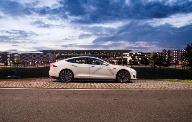 Im ersten Halbjahr 2015 hat Tesla mehr als 21.500 Model S verkauft
