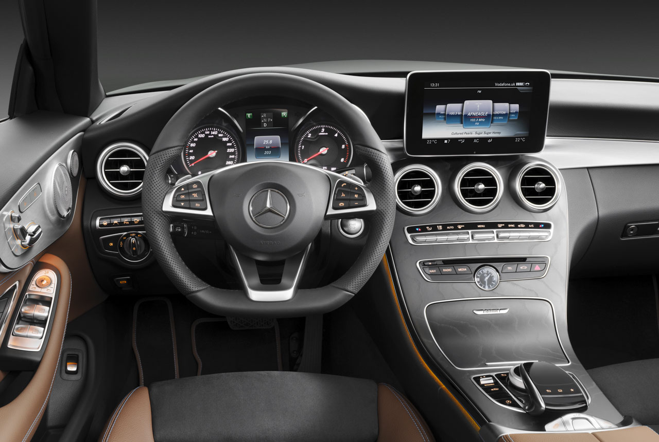 Mercedes benz c klasse cabrio cockpit der kleine benz for Interieur mercedes c klasse