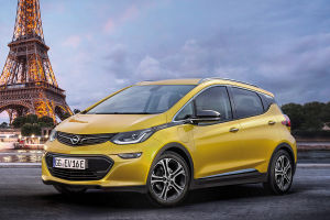Opel Ampera-e: Sein offizielles Debüt vor Publikum und Fachpresse findet Ende September auf dem Pariser Autosalon statt,