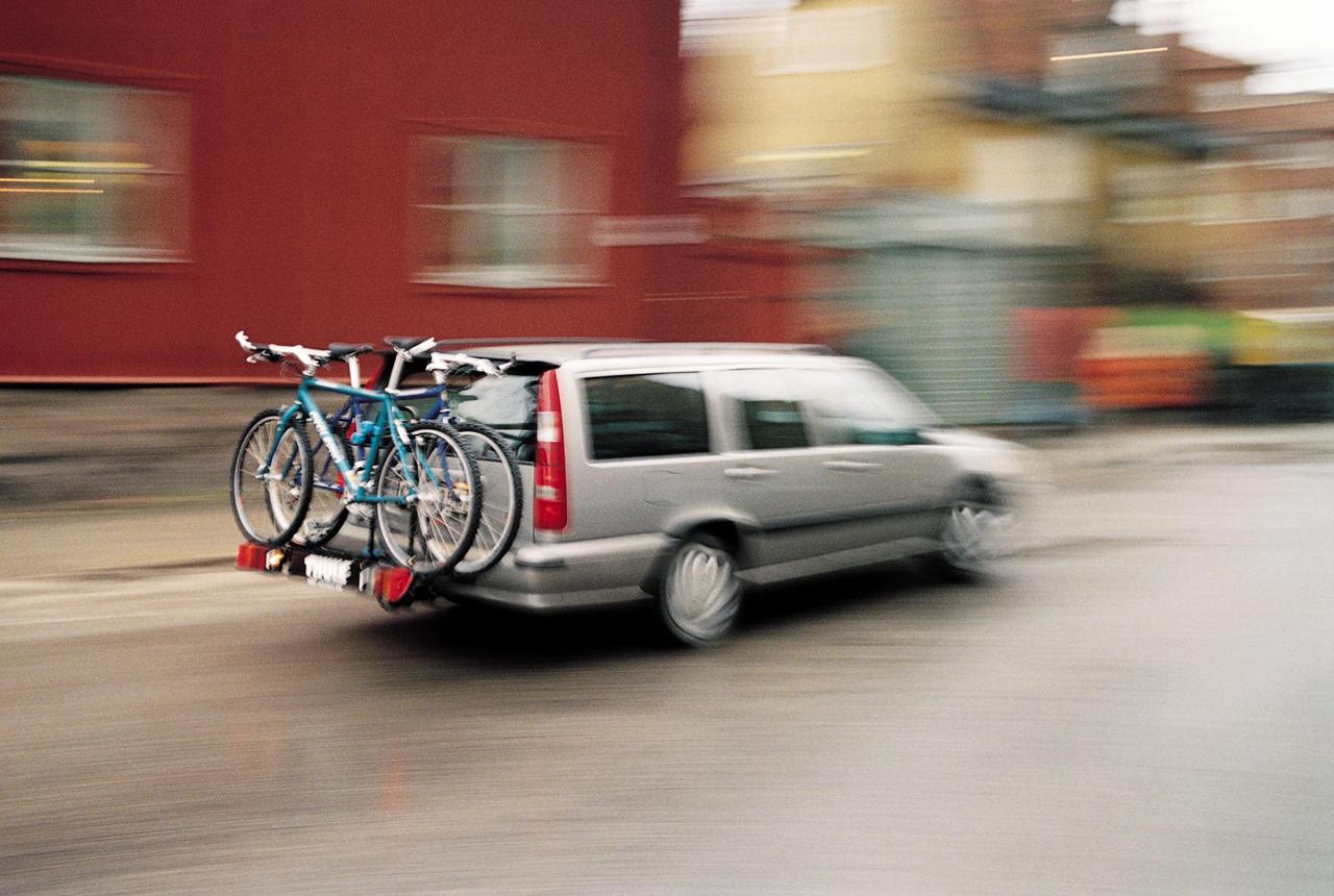 ratgeber was bei fahrradtr gern f r autos zu beachten ist. Black Bedroom Furniture Sets. Home Design Ideas