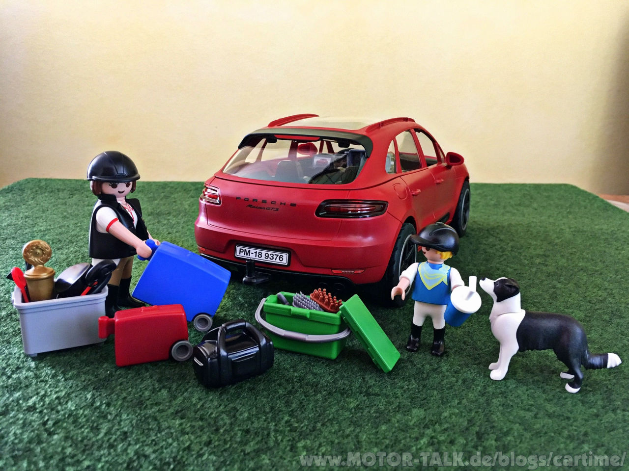 playmobil porsche macan gts 9376 regali di festa. Black Bedroom Furniture Sets. Home Design Ideas
