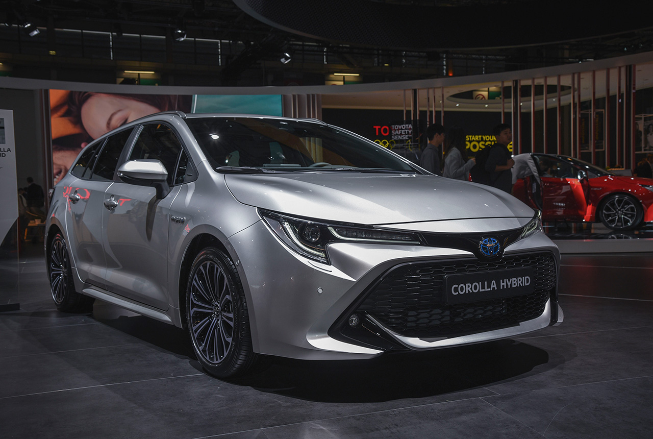 Toyota Corolla Touring Sports 2019 Bilder Daten