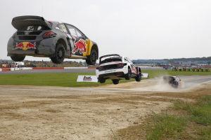 Die Gladiatoren kommen: Beim Rallycross wird gedriftet und gesprungen wie bei einer Rallye. Und gekämpft wie bei einem Tourenwagenrennen - manchmal auch härter. Am Wochenende gastiert die Weltmeisterschaft auf dem Estering in Buxtehude bei Hamburg