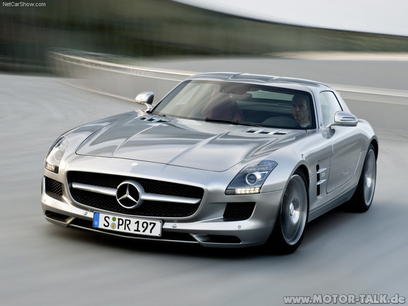 Mercedes-benz-sls-amg-2011-800x600-wallpaper-18