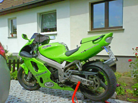 kawasaki ninja zx7r neulack viel zubeh r ebay biete motorrad. Black Bedroom Furniture Sets. Home Design Ideas