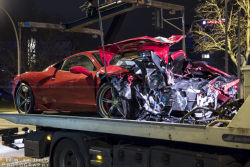 ferrari-458-speciale-crash-berlin-15