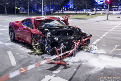 ferrari-458-speciale-crash-berlin-07
