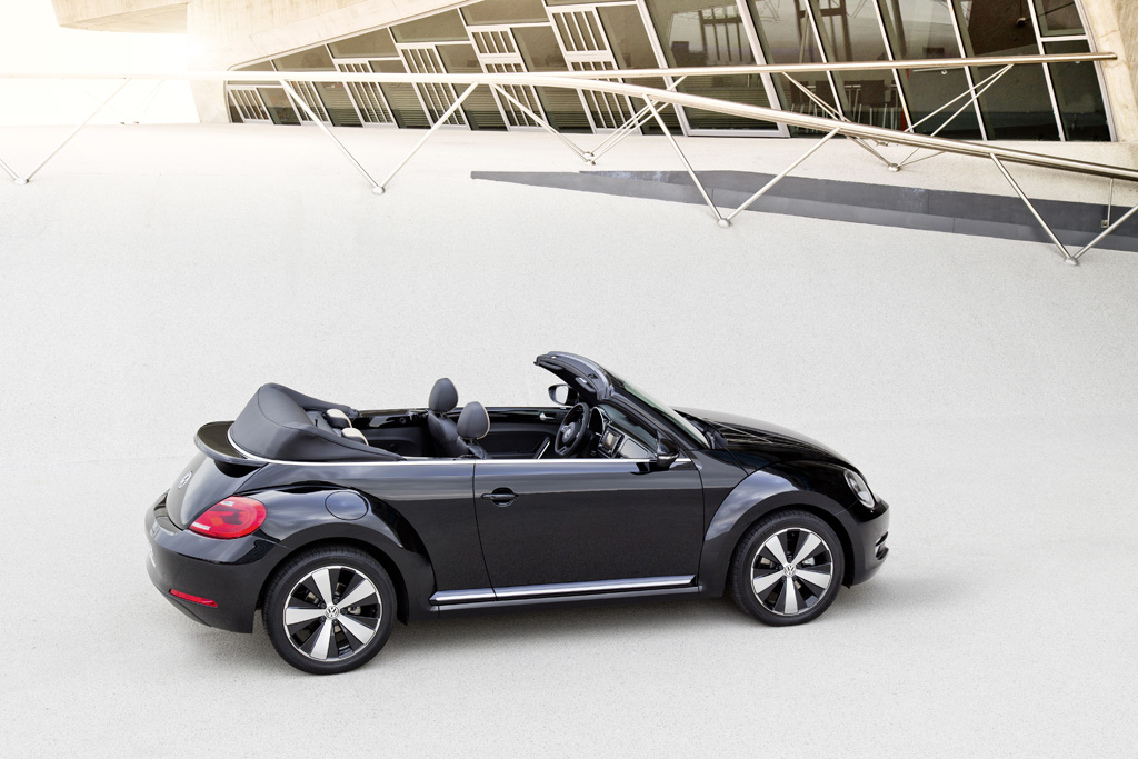 vw beetle cabriolet fahrbericht oben ohne in l a vw beetle 5c. Black Bedroom Furniture Sets. Home Design Ideas