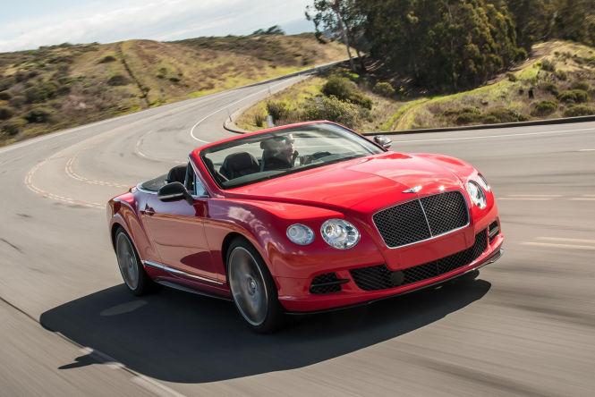 Das Continental GT Speed Cabrio fährt bis zu 325 km/h schnell.