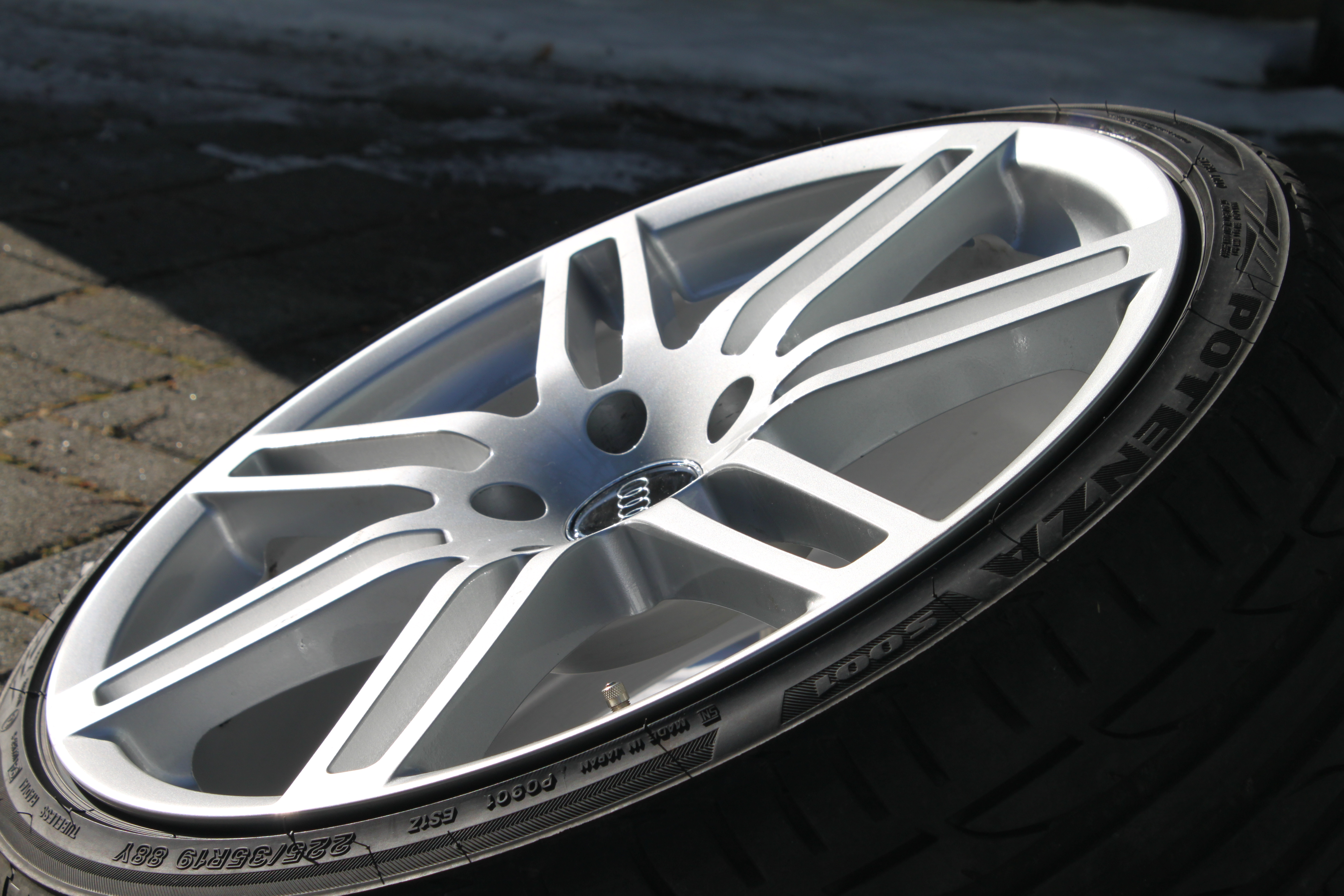 modul wheels md4 rs4 design 8 5x19 225 35 r19 audi a3 biete. Black Bedroom Furniture Sets. Home Design Ideas
