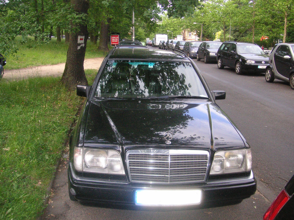 in wiesbaden tres chic mercedes e klasse w124 e 280 kombi von jetpilot2007 fahrzeuge. Black Bedroom Furniture Sets. Home Design Ideas