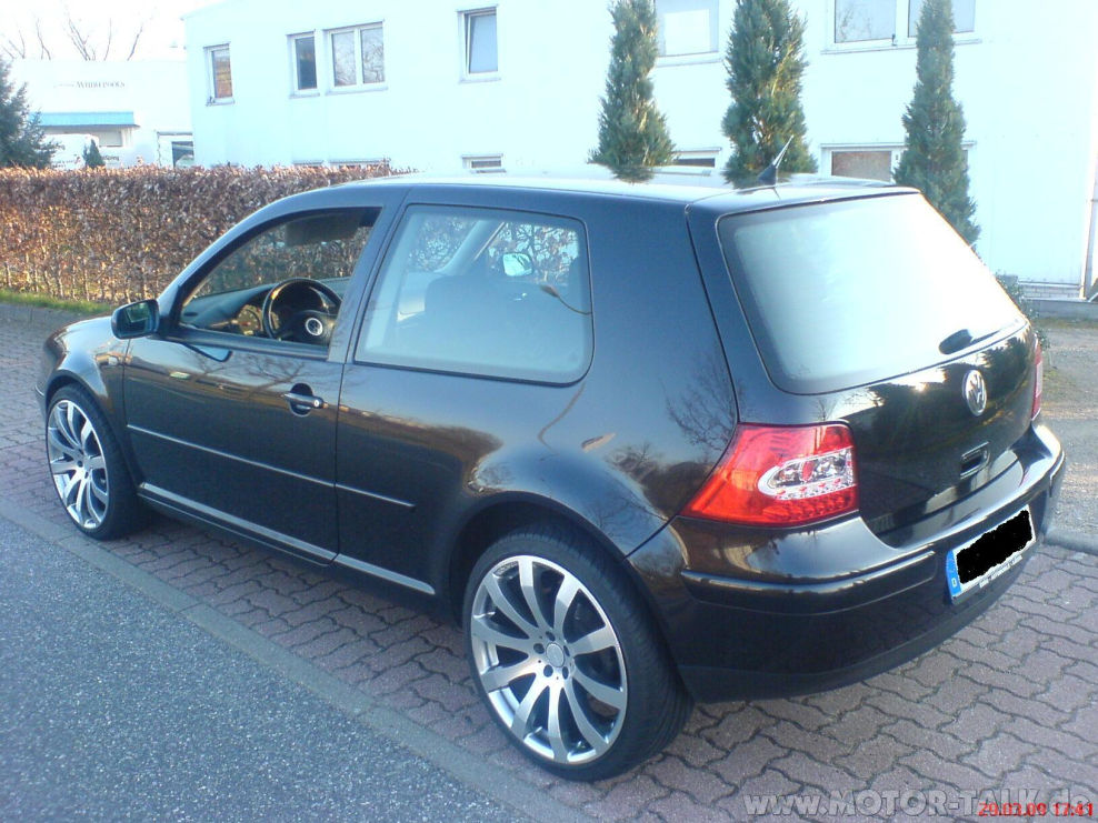 dsc00126 suche golf 4 bilder mit wei en dach vw golf. Black Bedroom Furniture Sets. Home Design Ideas