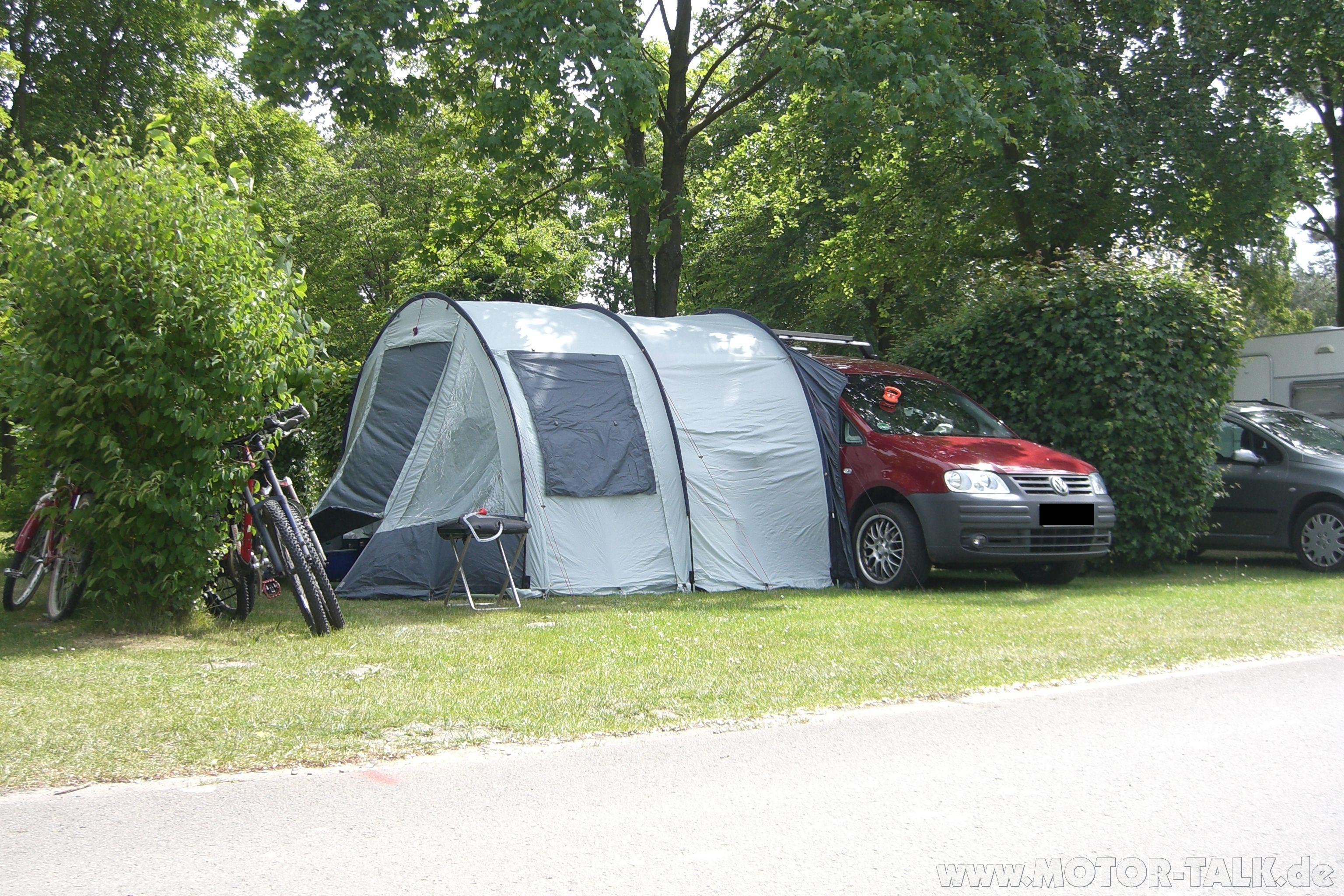 cimg4040 schlafen im caddy life kurz moeglich vw. Black Bedroom Furniture Sets. Home Design Ideas