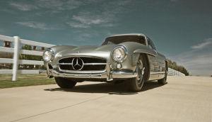 Dieser Mercedes 300 SL von Clark Gable wurde 1989 für 200.000 Dollar komplett restauriert.