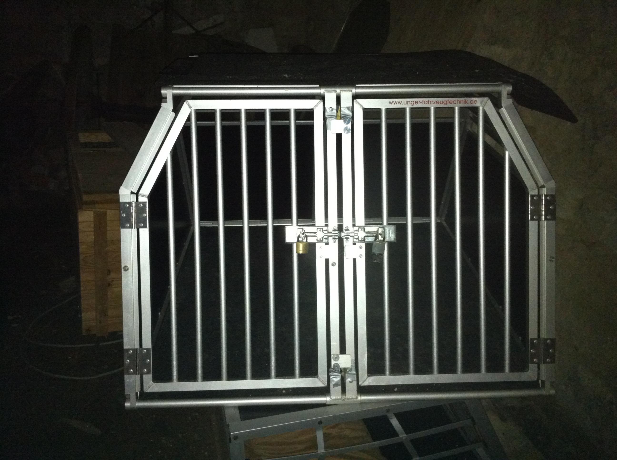 hundebox sonderanfertigung audi a6 avant 4b biete. Black Bedroom Furniture Sets. Home Design Ideas