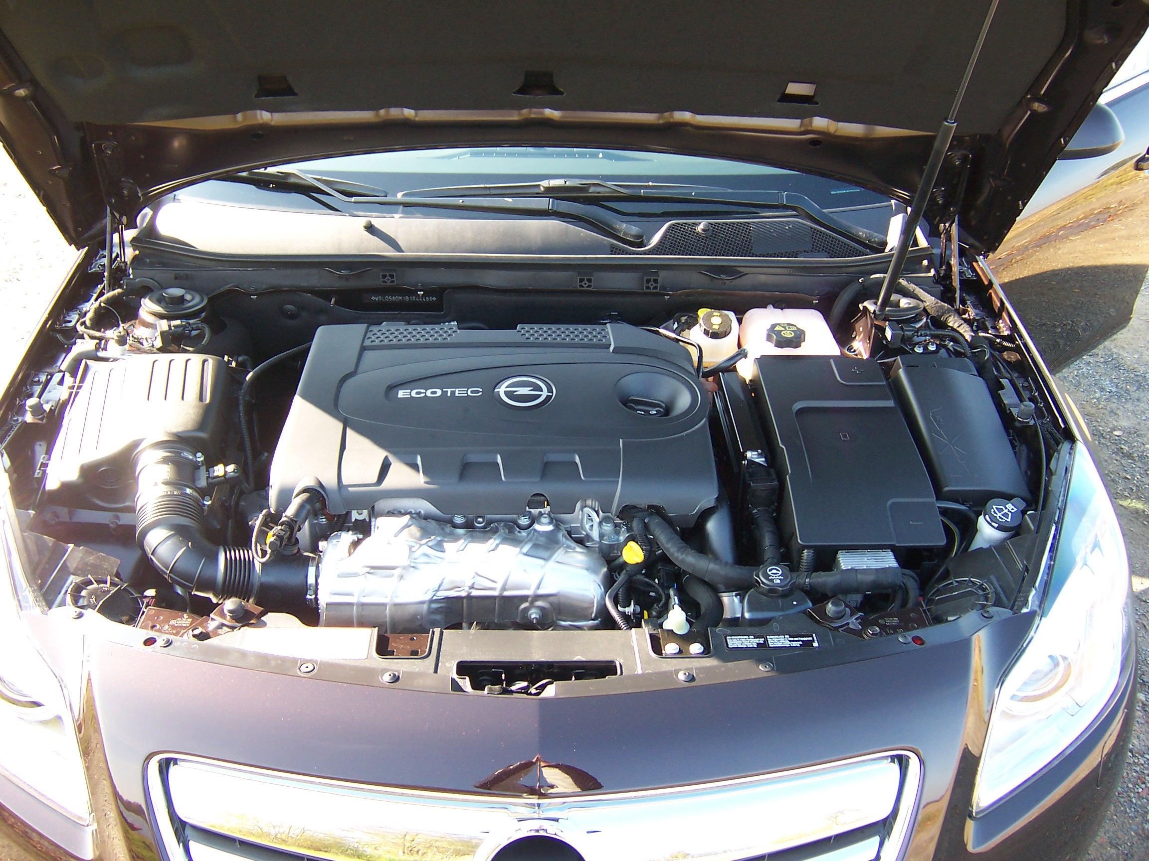 Motorraum Opel Insignia A 2 0 Cdti Sports Tourer Test