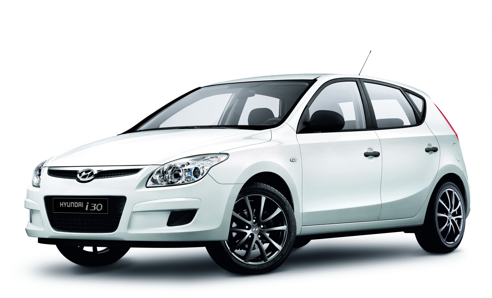 hyundai i30 white edition auto news. Black Bedroom Furniture Sets. Home Design Ideas